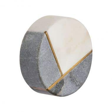 A stylish marble two tone design that will create a bold attractive look to your cupboard or cabinet.
