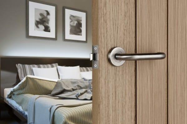 How to Select Door Latches   Door Latch Sizes